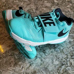 Nike Team Hustle Basketball Shoes
